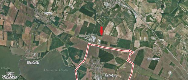 Pozemek u průmyslové zóny